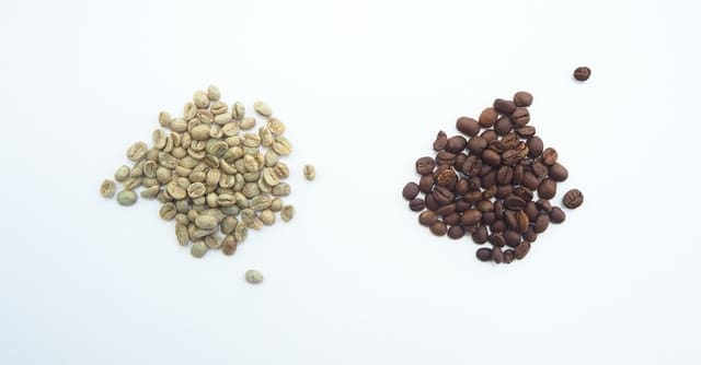 green and roasted coffee